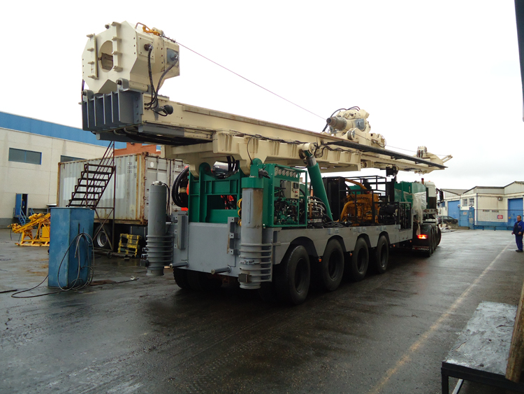 Perforadora SEGOQUI-2600 con 150 toneladas de pull-up